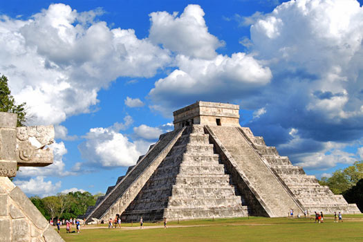 Cancun Shuttle to Chichen Itza Pyramid Mexico
